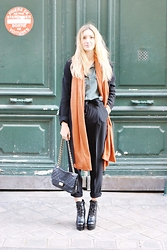 Laugh of Artist - Forever 21 Top, Forever 21 Coat, Minusey Boots, Mango Pants - Orange mécanique