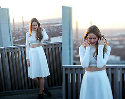 Anita Fosen - Midi Skirt, Crop Top, Topshop Cut Out Boots - ALL WHITE