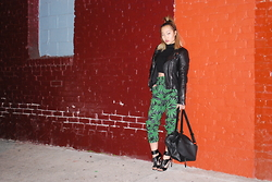 Nicole Kim - H&M Turtle Neck Cropped Top, Zara Black Leather Jacket, American Bazi Printed Jogger Pants, French Connection Uk Black Leather Backpack, Steve Madden Black Heels - Mary Jane
