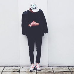 Richy Koll - Stüssy Cap, H&M Shirt, Nike Air Max - New blogpost