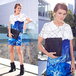 Kiara King - Bluejuice Clothing Printed Top, Mia Italia Leather Clutch, Bluejuice Clothing Printed Skirt, Tibi Leather Boots - The Power of the Print