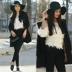 Anna M - Sweat Top, Hat, Chasdel Ring, Zara Shoes - Casual classic look