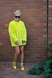 TOBY K - Cheep Perth Round Glasses, Zara Yellow Fur Jacket - And it was all yellow