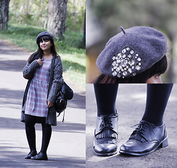 Marla Singer - Zara Grey Oversized, Topshop Grey Tartan, Vintage Grey Embellished Beret, Asos Black Opaque Tights, Vintage Tassel Wingtip Brogues, Stradivarius Faux Leather Backpack - Scatterheart.
