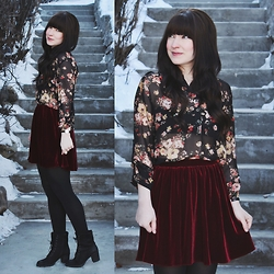 Jocelyn Jacobson - American Apparel Velvet Skater Skirt - Velvet Crush