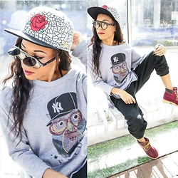 Tye W. - Wholesalecelebshades Flip Top Clear Lens Sunglasses, Long Sleeve Owl Print Hem Sweatshirt, Mickey's Snapback Black Scale - Owl See You