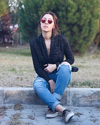 Duygu Trgt - Mango Sweater, Zara Ripped Jeans, Vans Leopard Shoes - Imagine