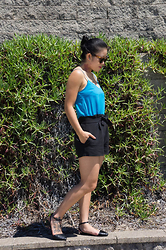 Margaret Ye - Royal Aquamarine Sunglasses, Asos Top, Asos Shorts, Asos Flats - Power of lines.