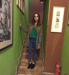 Amani Ghareeb - Zara Cardigan, H&M Sweater, Asos Jeans, Boots, Gold Floral Necklace - Valentines