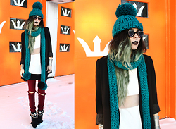 Katia Nikolajew - Mumshandmade Beanie & Scarf, Sunscapeeyewear Sunglasses, Loveclothing Sheer Mid Section Top - Knit Overload...