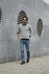 Raphaël Spezzotto-Simacourbe - Cos Knitwear, The Kooples Jeans, The Kooples Shoes - SUNDAY GREY WITH COS