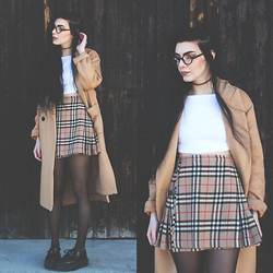 CLAUDIA Holynights - Frontrowshop Coat, Freyrs Glasses, Burberry Vintage Skirt - Burberry skirt