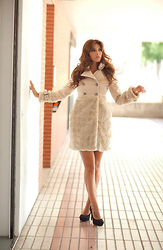 Miss sarda - Madeline Beige Coat, Zara Black Shoes - BEIGE, CHIC & ELEGANT