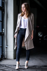 Jenaly Enns - Forever 21 Draped Lapel Trench, Zara Loose Linen Tank Top, J Brand Mid Rise Photo Ready Jeans, Schutz Stiletto Mules - Spring feelings