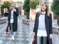 Amy Ramírez - Pull & Bear Coat, H&M Pants, Elite99 Shirt, Nike Sneakers - Grey obsession