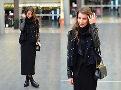 Stephanie Van Klev - Patrizia Pepe Scarf, Alexander Wang Maxidress, Jimmy Choo Combat Booties, Chanel Boybag - ALL BLACK AGAIN