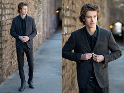 Dillan Moore - American Eagle Outfitters Hounds Tooth Blazer, Zara Leather Pants - Emerald + Hounds tooth