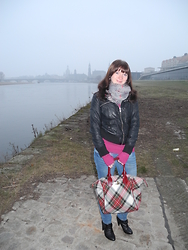 Line - Vivienne Westwood Tasche, Primark Tuch, New Yorker Lederjacke, C&A Pullover, C&A Jeans, Jumex Schuhe - Work outfit