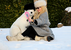 Paola Fratus - Moschino, Moschino, Tecnica, Moschino - In the snow (part II) ^.^