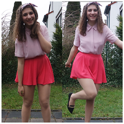 Deniz K - Marks&Spencer Blouse, Primark Shorts, Koton Shoes - Bonbon