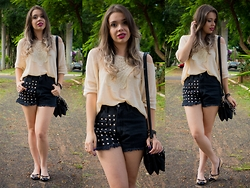 Priscila Figueredo - Romwe Cutout Shoulder Knitwear With Lace Detail, Youreyeslie Shorts, Flat, Bag - Go find somebody new;