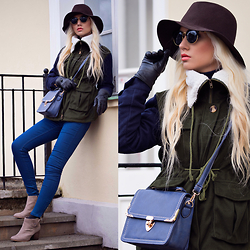 Oksana Orehhova - Tomtop Parka, Tomtop Hat, Oceanjeans Bag - STREETS OF FOREST