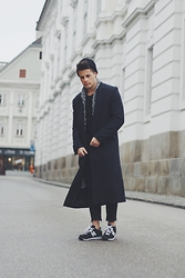 Kevin Elezaj - New Balance Sneakers, Zara Jeans, H&M Coat, H&M Cardigan, Topman Beanie - Just the beginning