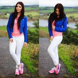 Klaudia Warasiecka -  - Pink and blue nike's