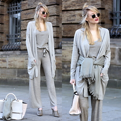 Leonie Hanne - Zara Cardigan, Zara Top, Zara Pants, Zara Bag, Zara Mules, Ray Ban Sunnies - All knitted, all neutal | ohhcouture.com