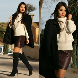 Anna M -  - Turtle-neck, skirt and boots