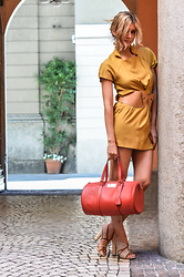 Elena Barolo - A Lab Milano Camel Cotton Dress, Paul & Joe Wood Leather Belt, Alessandro Martorana Burgundy Leather Bag, Aperlai Sandals - Oh my camel dress!!!