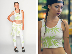 Valley High - Valley High Mary Crop Top, Valley High Mary Leggings, Valley High Mary Crew - MARY