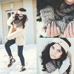Helen Ivasiva - H&M Hairband, H&M Snood, Timberland Boots, Zara Sweater, H&M Coat - Wintery Boho look
