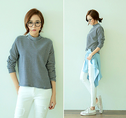 Saea Eom - Stripe Turtleneck, White Jean, Denim Shirt, White Canvas Shoes - Today's casual