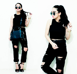 Czle Bernadette - Zara Studded City Bag In Mini, Zara Studded Sandals, Stradivarius Belt - RIPPED JEANS