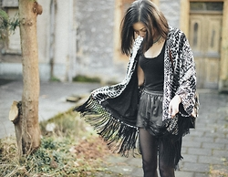 Sun Zibar - The Kooples Kimono, All Saints Top, H&M Shorts, Proenza Schouler Bag, Konplott Necklace - Kimono inspiration