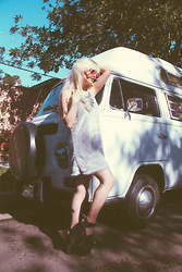 Rachel Lynch - Wildfox Pink Sunnies, Motel Shag Dress, Privileged Platform Shoes - California roadtrippin'