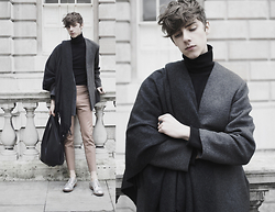 Mikko Puttonen - Acne Studios Scarf, Rabbit Hole London Turtleneck, Weekday Jacket, Acne Studios Trousers, Gtie Bag, Acne Studios Shoes - London Fashion Week