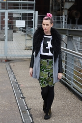 Susan Dollparts - Missguided Coat, Monki Jumper, H&M Pencil Skirt, Vans - Pineapples
