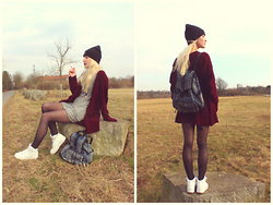 Julez . - Nike Air Force 1, Brandy Melville Usa Grey Dress, Urban Outfitters Red Cardigan, Asos Denim Backpack, Urban Outfitters Black Yingyang Beanie - Lange nicht gesehen