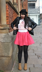 Lauren Evans - Hyper Japan Hat, Primark Jacket, Frankfurt Top, River Island Skirt, Primark Boots - Keep Calm and Go To FRANKFURT!