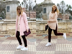 Amy Ramírez - Pull & Bear Coat, Zara Sweater, Abercrombie & Fitch Jeans, Nike Sneakers - Burgundy and pink