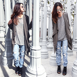 Kelsy N - Quay Jinx Clear, Forever 21 Draped Lapel Trench Coat, Forever 21 Distressed Boyfriend Jeans, Forever 21 Peep Toe Wedge Booties - LACMA
