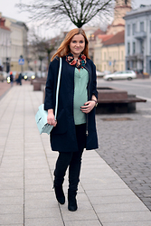Sandra Ubartiene - Marks & Spencer Bag, Toma Accessories Floral Necklace, D.Efect Coat - MATERNITY STYLE | GLOWING