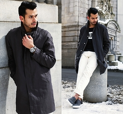 Jorge Gallegos - H&M Car Coat, H&M T Shirt, H&M Pants, Greats The Wooster - Wear It Like Beckham