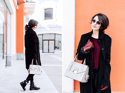 Katu Mikheicheva - Hugo Boss Black Coat, Hugo Boss Leather Grey Bag, The Katherine's Shop Fashion Eyewear, Hugo Boss Red Leather Gloves, Dorothee Schumacher Lovely Boots, Hugo Boss Red Top - Hugo Boss look