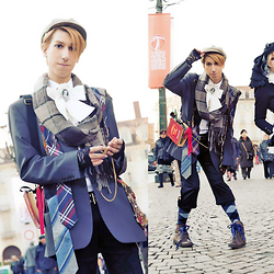 Victor Faretina - Vendula London Book Clutch Bag, Scarf, Tie, Lace Gloves - Harajuku Fashion Walk in Turin