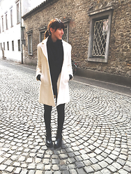 Lea P - Vintage Sunglasses, Tom Tailor Plain Black Top, White Coat, Promod Faux Leather Leggings, Josh Black Ankle Boots - Downtown