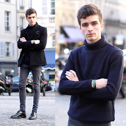 "Matthias C. - New Look Turtleneck Jumper, Asos Grey Blue Skinny Jeans, Church's Luxurious Leather Brogues, Ursul Mineral Leather Bracelet - ""Chélone"""