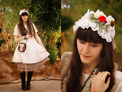 May Wildflower - Handmade Mushrooms Rectangle Headdress, Baby The Stars Shine Bright Dessert Op, Claire's Owl Bag, Axes Femme Faux Fur Vest - Growing mushrooms on my head